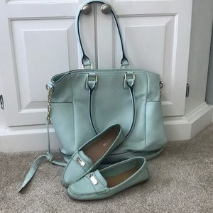 Coach flats in size 8 in light turquoise